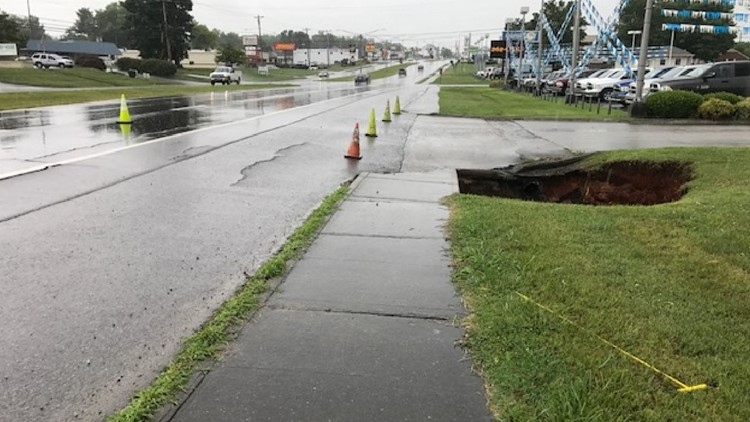 Sinkhole Opens Up In Jefferson City After Heavy Rains. One lane has been closed due to a sinkhole opening up on Highway 11-E in Jefferson City, TN after Tuesday's heavy rain. The sinkhole is reported near Farris Motor Company and Harrington Road. | TDOT Image