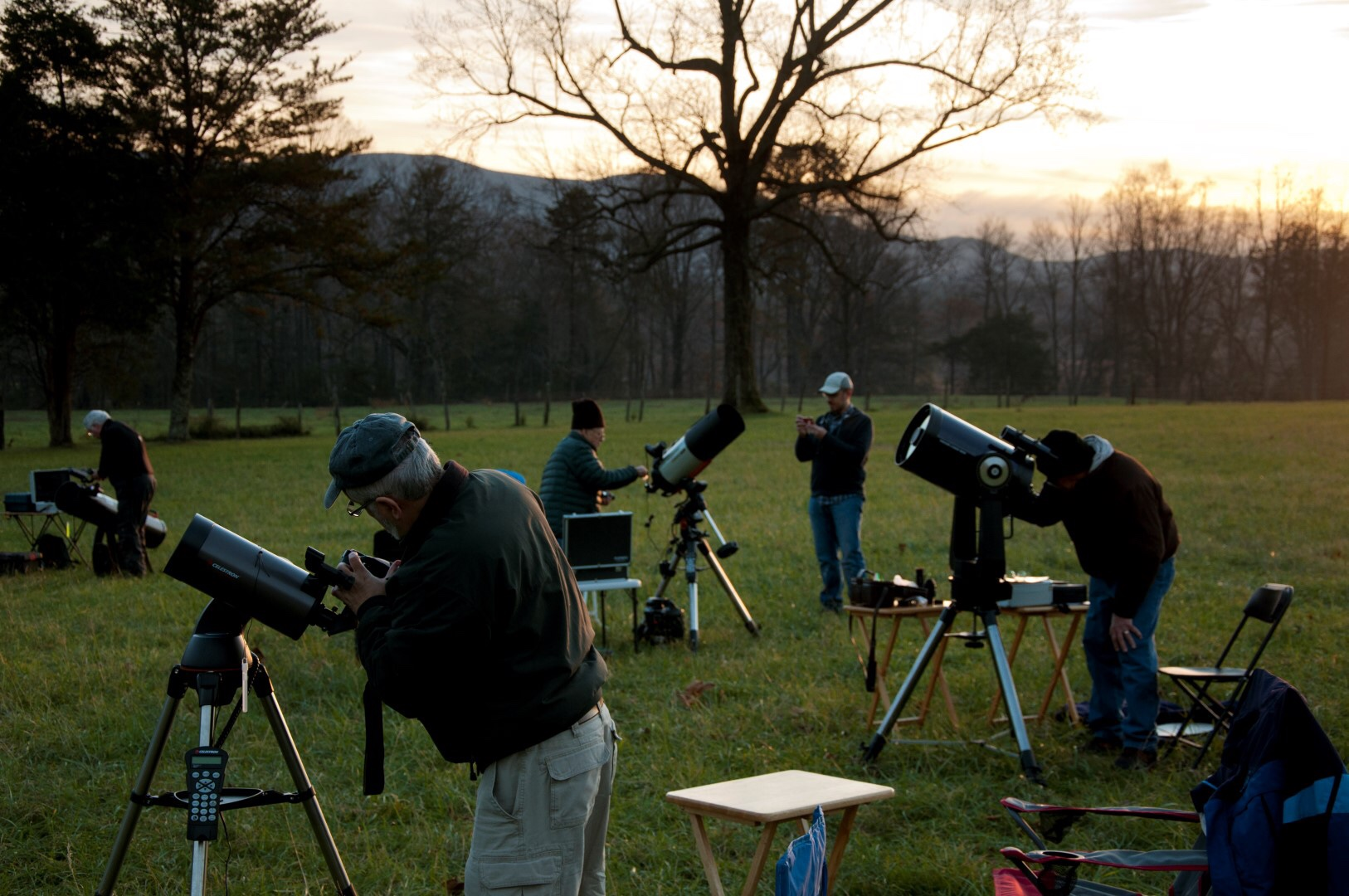 Park Hosts Star Gazing Event at Cades Cove